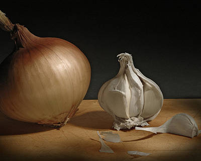Onion And Garlic Poster by Krasimir Tolev