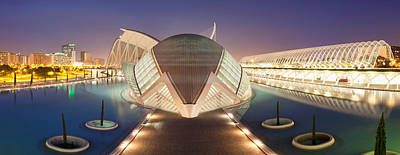 Opera House Lit Up At Night, Ciutat De Poster by Panoramic Images