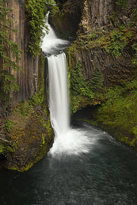 Oregon's Toketee Falls Poster by Andrew Soundarajan