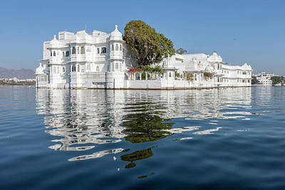 Palace Hotel Jag Niwas Lake Pichola Poster by Tom Norring