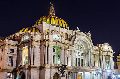 Palacio De Bellas Artes At Night Poster