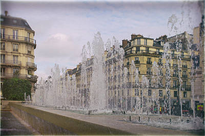 Paris Fountain Poster