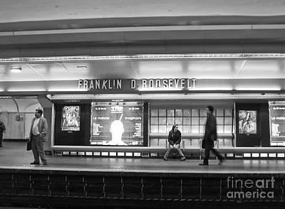 Paris Metro - Franklin Roosevelt Station Poster