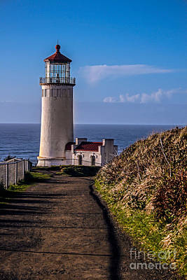 Path To North Head Lighthouse Poster by Robert Bales