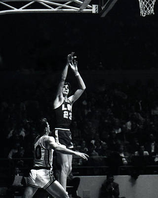Pete Maravich Shooting From Distance Poster