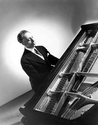 Pianist Artur Rubinstein, 1944 Poster by Everett