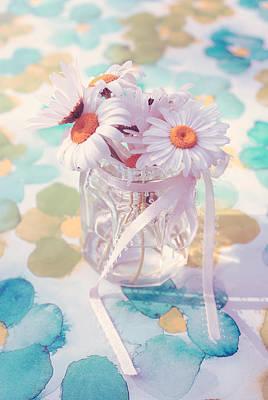 Pot Of Daisies - Du Bonheur En Pot 03s02a Poster by Variance Collections