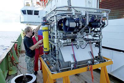 Preparing Robotic Underwater Vehicle Poster by B. Murton/southampton Oceanography Centre