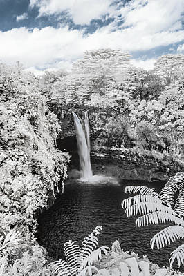 Rainbow Falls In Infrared 1 Poster