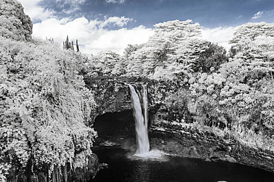 Rainbow Falls In Infrared 2 Poster