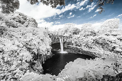 Rainbow Falls In Infrared 3 Poster
