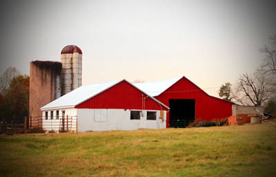 Red And White Barn Poster by Cynthia Guinn