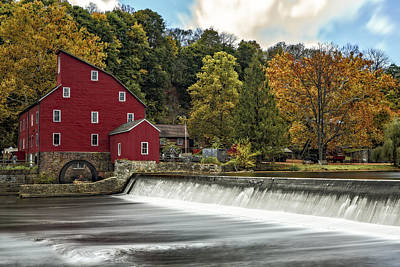 Red Mill At Clinton Poster by Susan Candelario