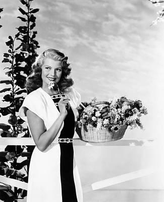 Rita Hayworth, Modeling A Black Poster