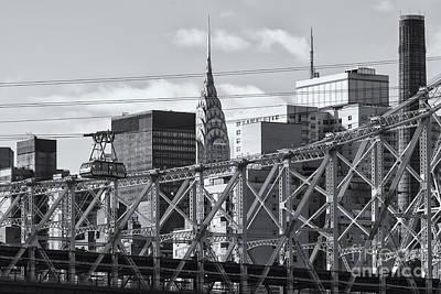 Roosevelt Island Tram And Manhattan Skyline II Poster