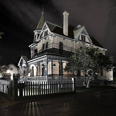 Rosson House Haunted Black And White Poster by Dave Dilli