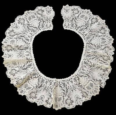 Round Collar Of Bobbin Lace On A Needles Edge Duchesse De Poster