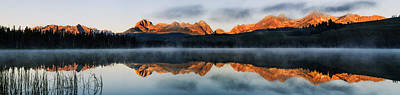 Sawtooth Mountain Range Panorama Poster by Vishwanath Bhat