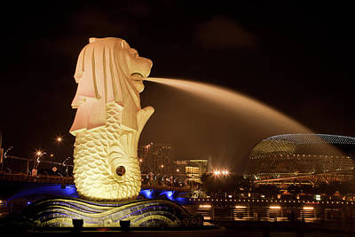 Singapore Merlion Statue Spewing Water Poster by Jaynes Gallery