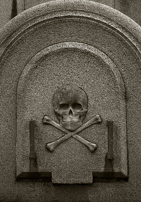 Poster featuring the photograph Skull And Crossbones by Amarildo Correa