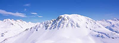 Snowcapped Mountain Range, Ski Stuben Poster