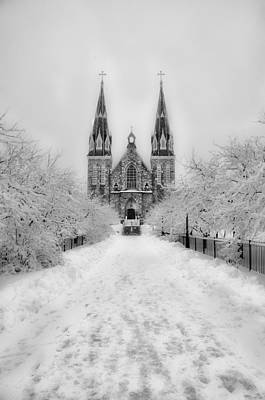 Snowy Villanova In Black And White Poster