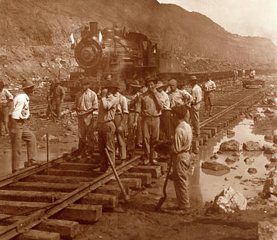 Spanish Laborers At Work In Culebra Cut And Loaded Train Poster