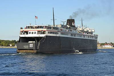 Carferry Badger Arriving At Ludington Poster by Dave Zuker