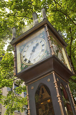Steam Powered Clock In The Gastown Poster by William Sutton