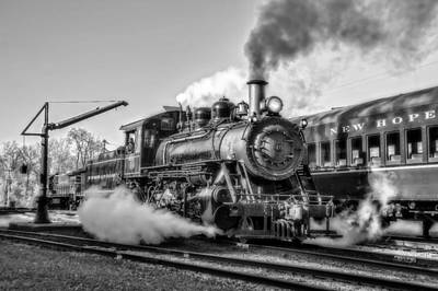 Steam Train No. 40 Bw Poster by Susan Candelario