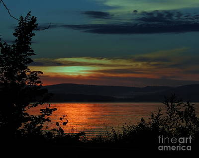 Sun Sets On Winnisquam Poster