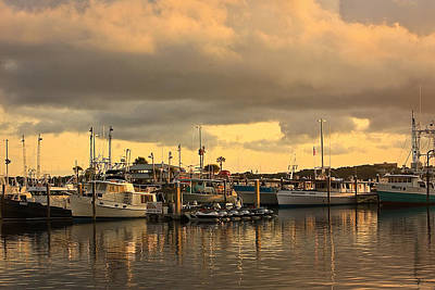 Poster featuring the photograph Sundown In The Bay... by Tammy Schneider