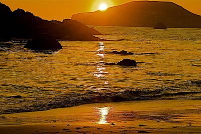 Sundown Sea Poster by Richard Hinger