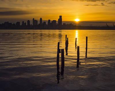Sunrise Over Elliott Bay Poster
