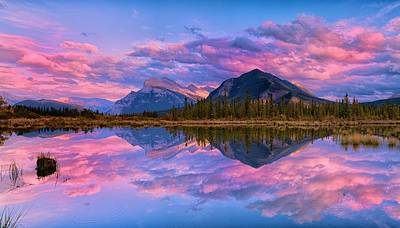 Sunset Over Mount Rundle Poster