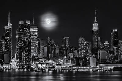 Super Moon Over Nyc Bw Poster by Susan Candelario