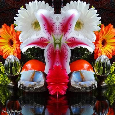 Symmetric Life. Flowers. 2013 80/80 Cm.  Poster