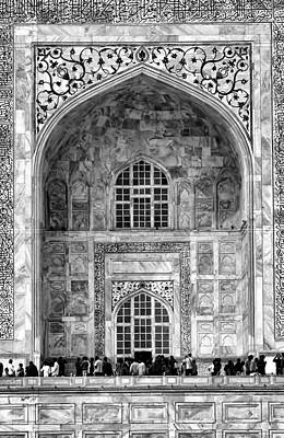 Taj Mahal Close Up In Black And White Poster