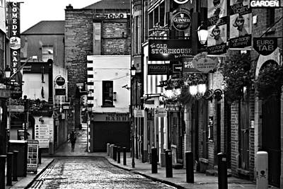 Poster featuring the photograph Temple Bar / Dublin by Barry O Carroll