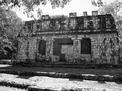 Templo Cerca De La Base Del Palacio Del Gobernador Poster by James  Bond