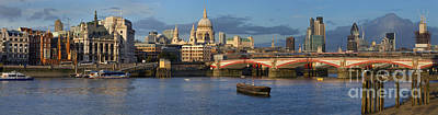 Thames Landscape Poster by Simon Kayne