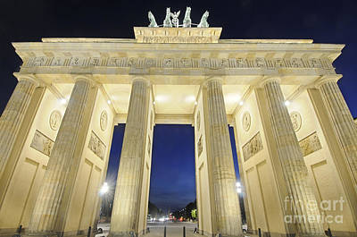 The Brandenburg Gate At Night Poster by Colin Woods
