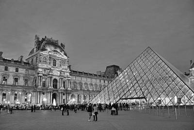 The Louvre Black And White Poster