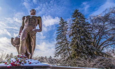 The Spartan Statue With Roses  Poster by John McGraw