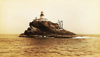 Tillamook Rock And Lighthouse Poster by Bill Cannon