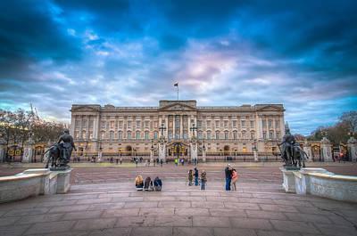 Tourists Outside Buckingham Palace Poster