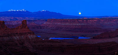 Utah Desert Moonrise Panorama Poster by Jonathan Gewirtz