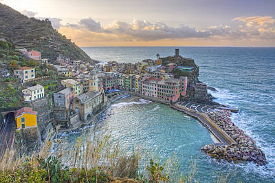 Vernazza Italy Sunrise 1 - Cinque Terre Pictures Poster by Rob Greebon