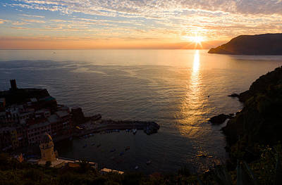Poster featuring the photograph Vernazza Sunset - I by Carl Amoth
