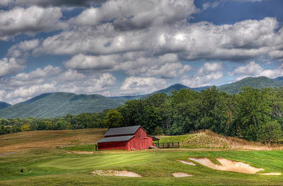 Vista Links Barn Poster by Todd Hostetter